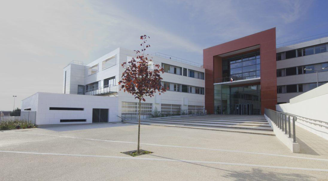 Paul Éluard Mittelschule