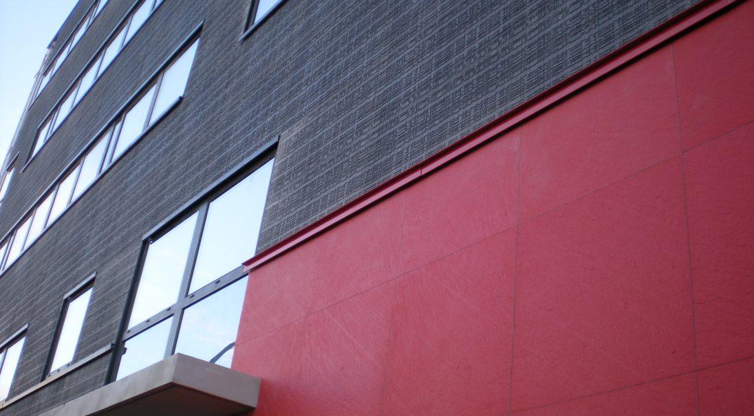 Standort: Nantes (Frankreich),  Architekten: Aura Architecture 44,  Art der Konstruktion: Neubau,  Verlegesystem: Verkleidung mit Unterkonstruktion (VmU),  Verwendetes Produkt: URBA