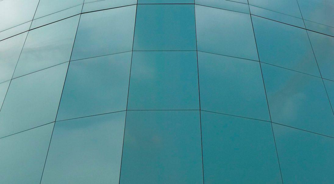 Aspect minéral Carea Lisse brillant, pour une façade urbaine (bardage avec ossature et sans ossature, vêture)