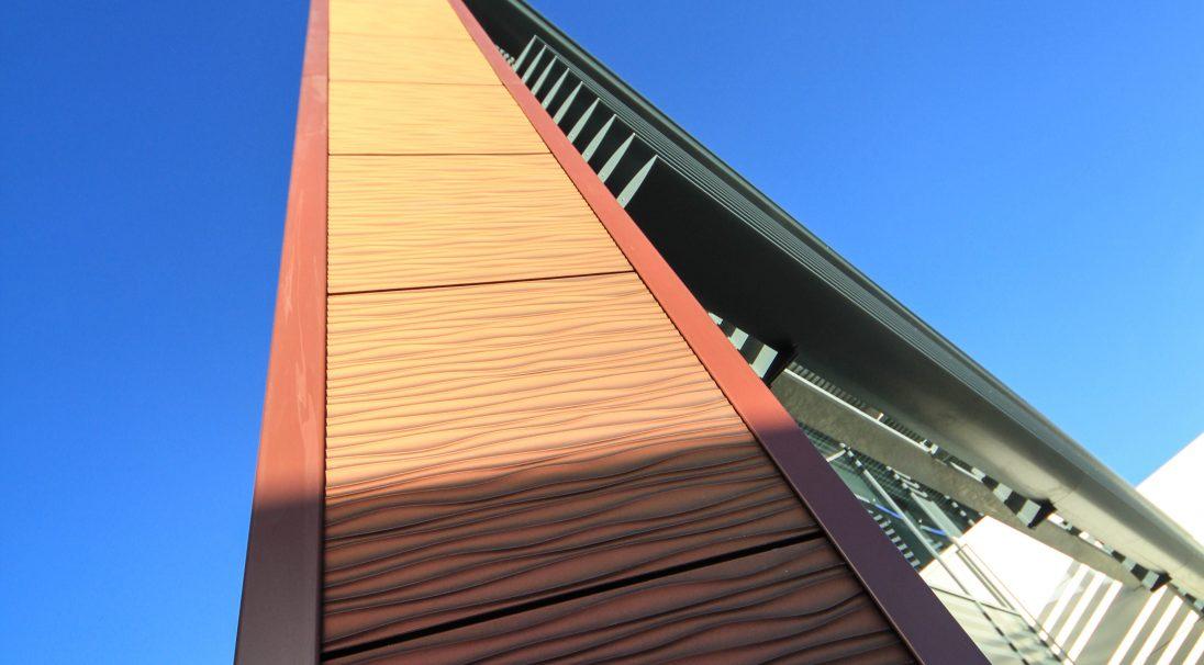 Lieu : Liverpool (Angleterre),  Type de construction : neuf,  Architecte : Denovo Limited,  Système de pose : bardage sans ossature (BSO),  Produit : DUNE iridescent